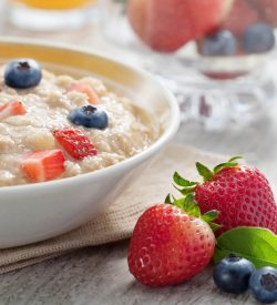 Oatmeal with strawberries - Breakfast In An Instant Package
